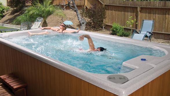 Spa e swimspa vasche idromassaggio per esterno e interno for Arredo plast spa